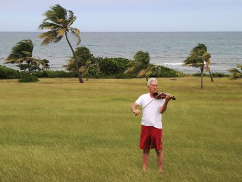 Fiddler_of_St_Croix_2004